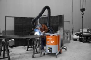 In kleinen, aber geräumigen Werkstätten sind mobile Absauggeräte für die Schweißrauchabsaugung geeignet.