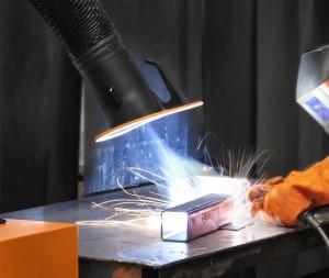 Nach Aussage von Schweißer Tim Forrell nutzt Arbeitsschutz auch den Betrieben bei der Mitarbeiterzufriedenheit.