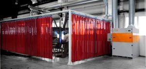 Schweißvorhänge sind ein Bestandteil für einen effektiven Arbeitsschutz in Betrieben.