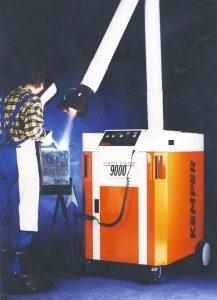 Mit dem System 9000 mobil entwickelte KEMPER das erste fahrbare Absauggerät gegen Schweißrauch mit abreinigbarem Filter.
