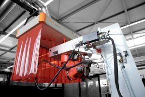 Schweißrauchabsaugung mittels Absaughaube an einem festen Arbeitsplatz für den Schweißroboter