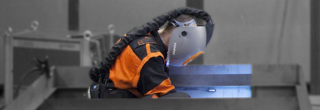 Schweißen in engen Räumen zieht verschärfte Maßnahmen für den Arbeitsschutz nach sich.